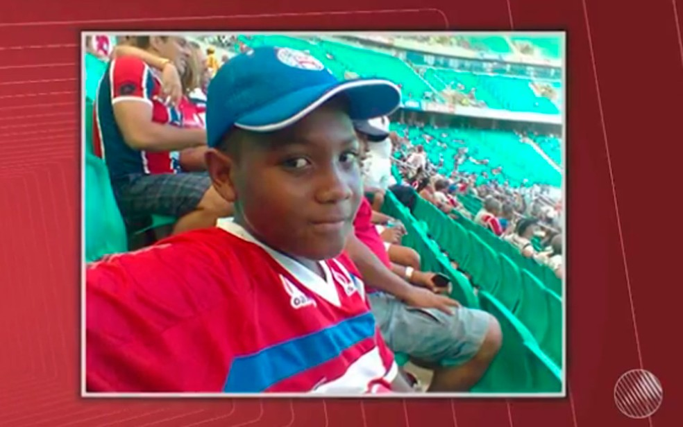 Carlos Henrique de Deus, de 17 anos, morreu baleado após BA-VI (Foto: Imagens / TV Bahia)