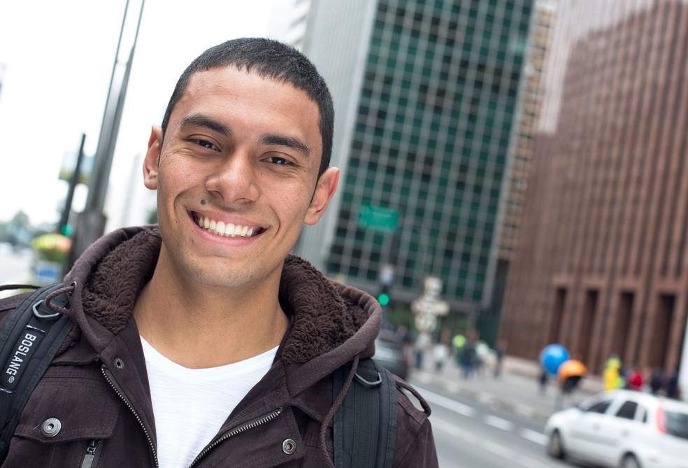 Abidan Henrique, 19 anos, estuda engenharia civil na USP (Foto: Tiago Queiroz/Divulgação Ismart)