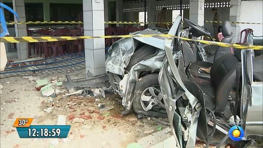 Motorista perde controle, carro invade restaurante e deixa 5 feridos na PB