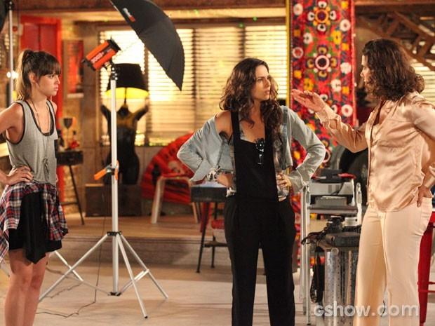 Marina se revolta com a atitude de Branca (Foto: Carol Caminha/TV Globo)