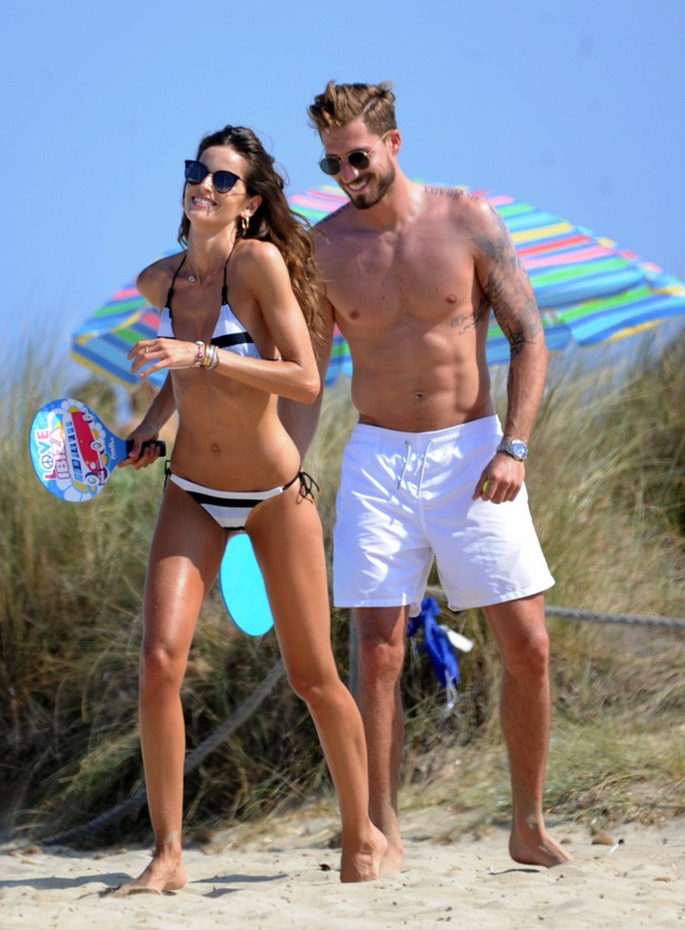 Izabel Goulart e Kevin Trapp (Foto: The Grosby Group)