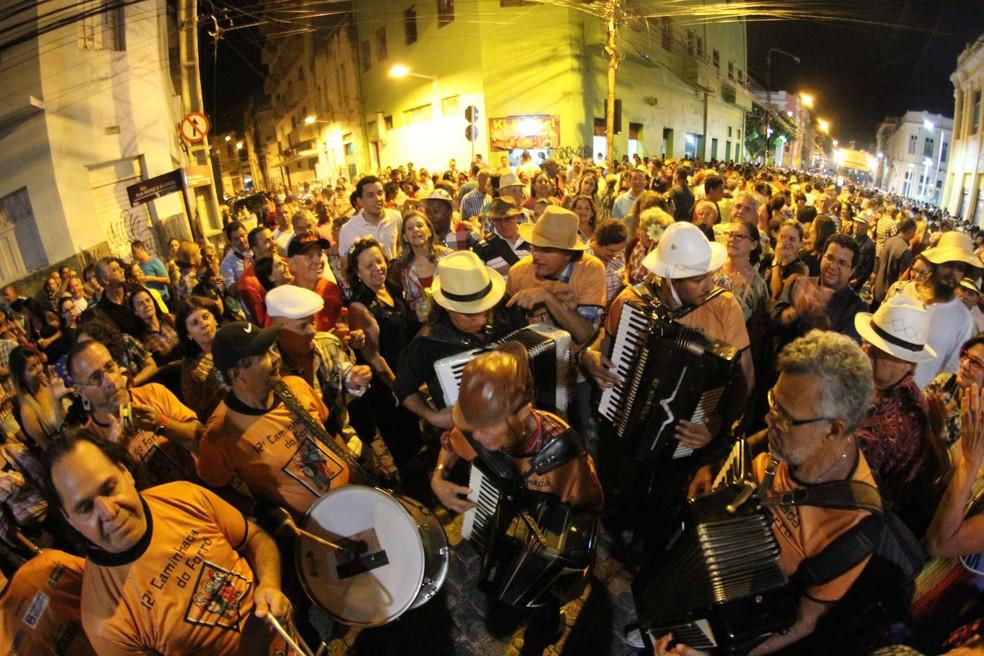 'Caminhada do Forró' ocorre nesta quinta (8), no Bairro do Recife (Foto: Marlon Costa/Pernambuco Press)