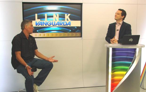 O técnico Márcio Bittencourt em entrevista no Link Vanguarda (Foto: Danilo Sardinha/Globoesporte.com)