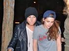 Sem Robert Pattinson, Kristen Stewart vai a boate com amigos