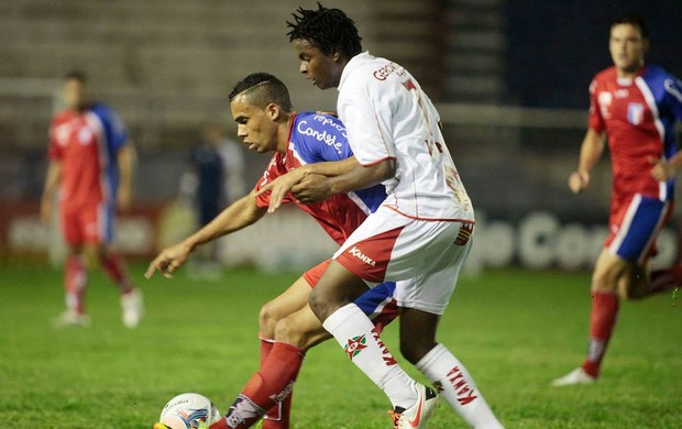 Fransérgio, Moisés, Guaratinguetá x Boa Esporte (Foto: Fábio Rubinato/ AGF)