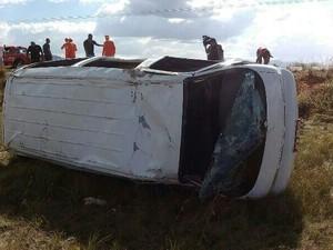 Capotamento na RR-432 deixa feridos em Roraima (Foto: Arquivo pessoal)