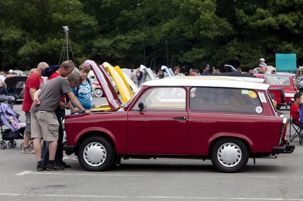 Encontro Nacional de condutores de Trabant, em Zwickau, na Alemanha, em 2011 (Foto: Getty Images)