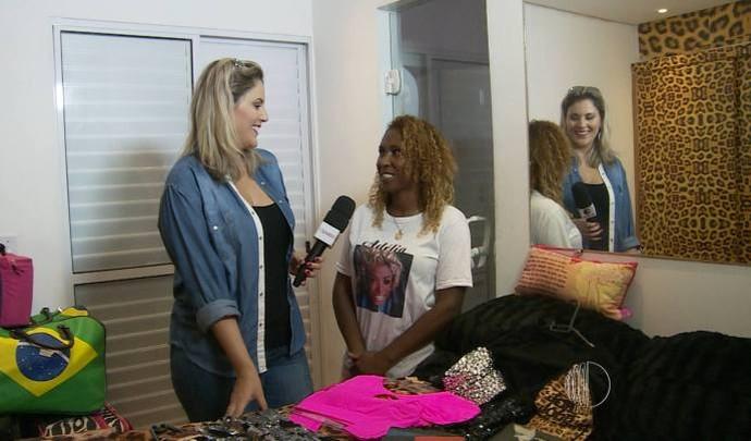 Irmã mostra o quarto da sister  (Foto: Reprodução / TV Diário )
