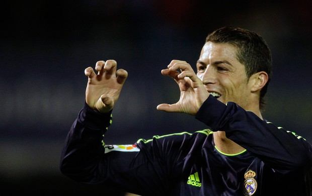Cristiano Ronaldo comemora gol do Real Madrid sobre o Celta (Foto: Reuters)