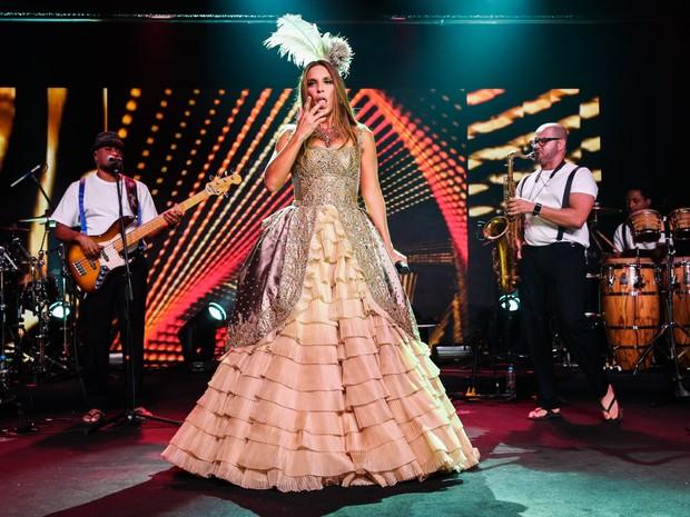 Ivete Sangalo canta em baile de gala em São Paulo (Foto: Manuela Scarpa/ Foto Rio News)
