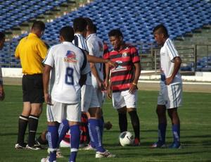 Campinense e CSP empataram sem gols neste domingo no Amigão (Foto: Silas Batista / globoesporte.com/pb)