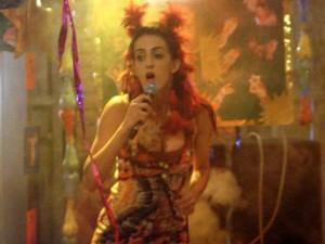 Ana Selma faz show e agita Tapiré (Foto: Além do Horizonte/TV Globo)