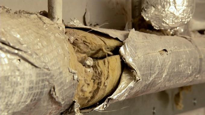 Canos antigos comprometem a segurança do Palácio de Buckingham (Foto: Reprodução/ITV News)