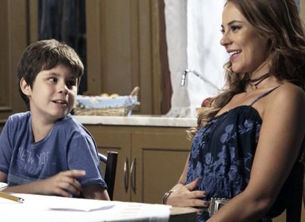 Melissa esconde de Felipe que perdeu o bebê