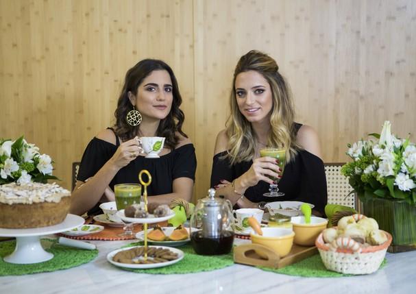 Luiza Souza toma um café da manhã saudável com Lolita Hanud. (Foto: Pablo Escajado)