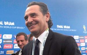 Cesare Prandelli, técnico da seleção italiana Sorteio da copa do Mundo (Foto: Reuters)