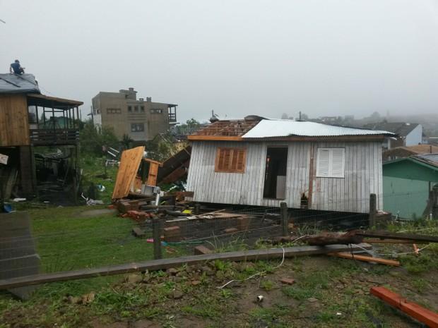 São Francisco de Paula, na serra gaúcha: cidade foi fortementer atingida por temporal no domingo (12) (Foto: Greici Mattos/RBS TV)