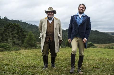 Luís Melo e Rafael Cardoso  (Foto: Globo / Estevam Avellar)