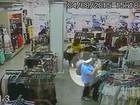 Mulher é presa após furtar carteiras seguidamente em lojas de Maringá