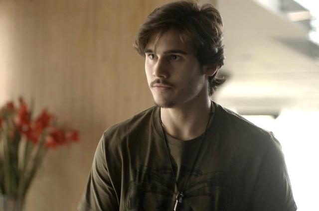 Zac (Nicolas Prattes) (Foto: TV Globo)
