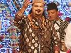 Milhares participam de funeral de cantor assassinado no Paquistão