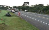 Batida deixa 3 mortos e um ferido na BR-277 (Índios fazem ato contra usina de Belo Monte (Eduardo Andrade/RPC TV))