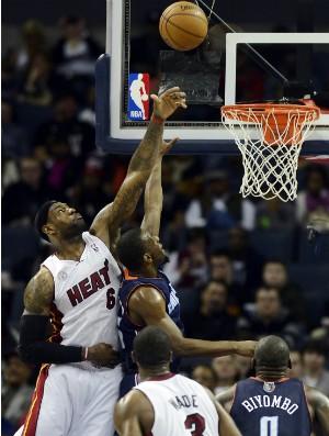 LeBron James e Dwayne Wade, Miami Heat - AP (Foto: AP)