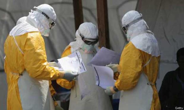Segundo um relatório interno da OMS, a própria entidade reconhece que falhou no combate ao ebola  (Foto: BBC)