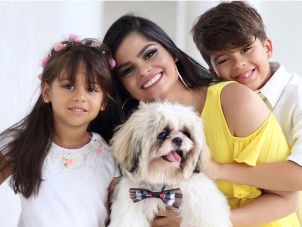 Isabele Temoteo e os filhos, Isabella e Enzo (Foto: Divulgação)
