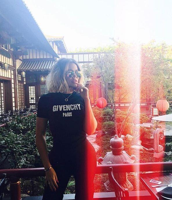 Khloé Kardashian adore ao corte de cabelo chanel reto  (Foto: Reprodução/Instagram)