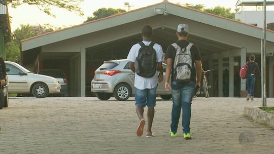 Tiro em escola teria sido motivado por rixa de tráfico de drogas em MG