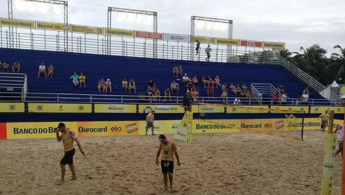 Alison, Bruno, Fortaleza, vôlei de praia, Fortaleza, Circuito Brasileiro, Praia do Futuro (Foto: Thaís Jorge)
