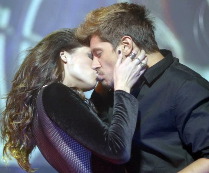 Giovanna se aproximou de Daniel para despistar o romance com Anthony (Foto: Gshow)