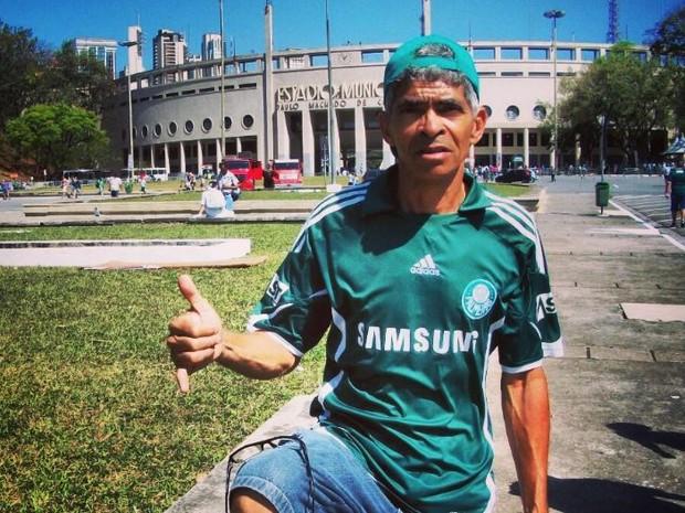 José Valter de Oliveira, torcedor do Palmeiras (ao centro), morreu infartado após comemorar título da Copa do Brasil (Foto: José Valter de Oliveira/ Arquivo pessoal)