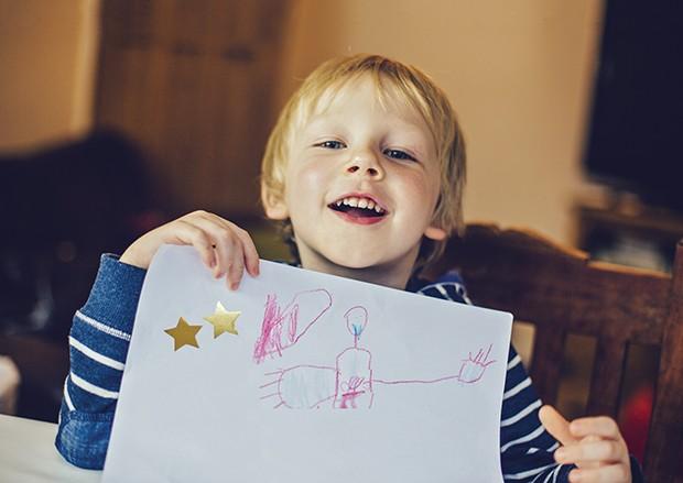 crianca-livro-educacao-familia-felicidade-2 (Foto: Sally Anscombe / Getty Images)