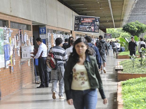No quinto dia de greve nacional dos docentes de ensino superior, alguns professores da Universidade de Brasília (UnB) começam a aderir a mobilização. (Foto: Wilson Dias/ABr)