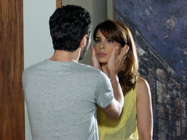 Após briga com Amanda, Danielle diz a Zé Pedro que vai fazer greve de sexo  (Foto: Império/TV Globo)