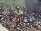 'Perdi todo mundo', diz filho e irmão de vítimas de desabamento no RJ