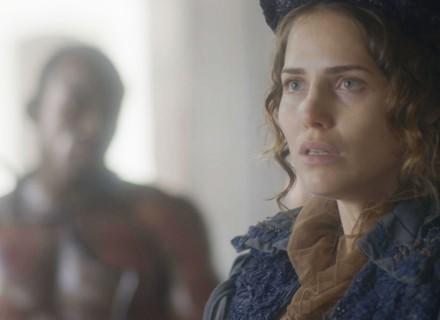 Leopoldina vai até o mercado de escravos para comprar Libério