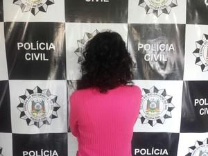 Mãe teria sido conivente com o abuso da filha (Foto: Divulgação/Polícia Civil)
