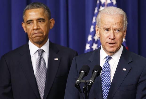 O presidente dos EUA, Barack Obama, e o vice Joe Biden durante entrevista nesta quarta-feira (16) na Casa Branca (Foto: Reuters)