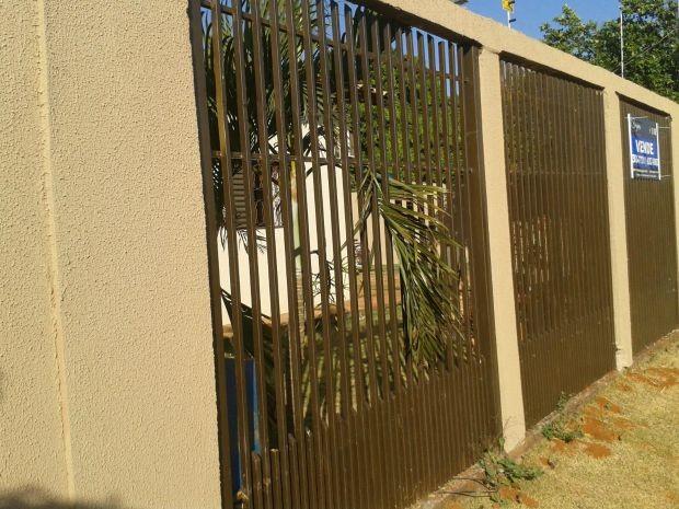 Jovem morreu após ser baelada no abdômen no Jardim Los Angeles (Foto: Osvaldo Nóbrega/ TV Morena)