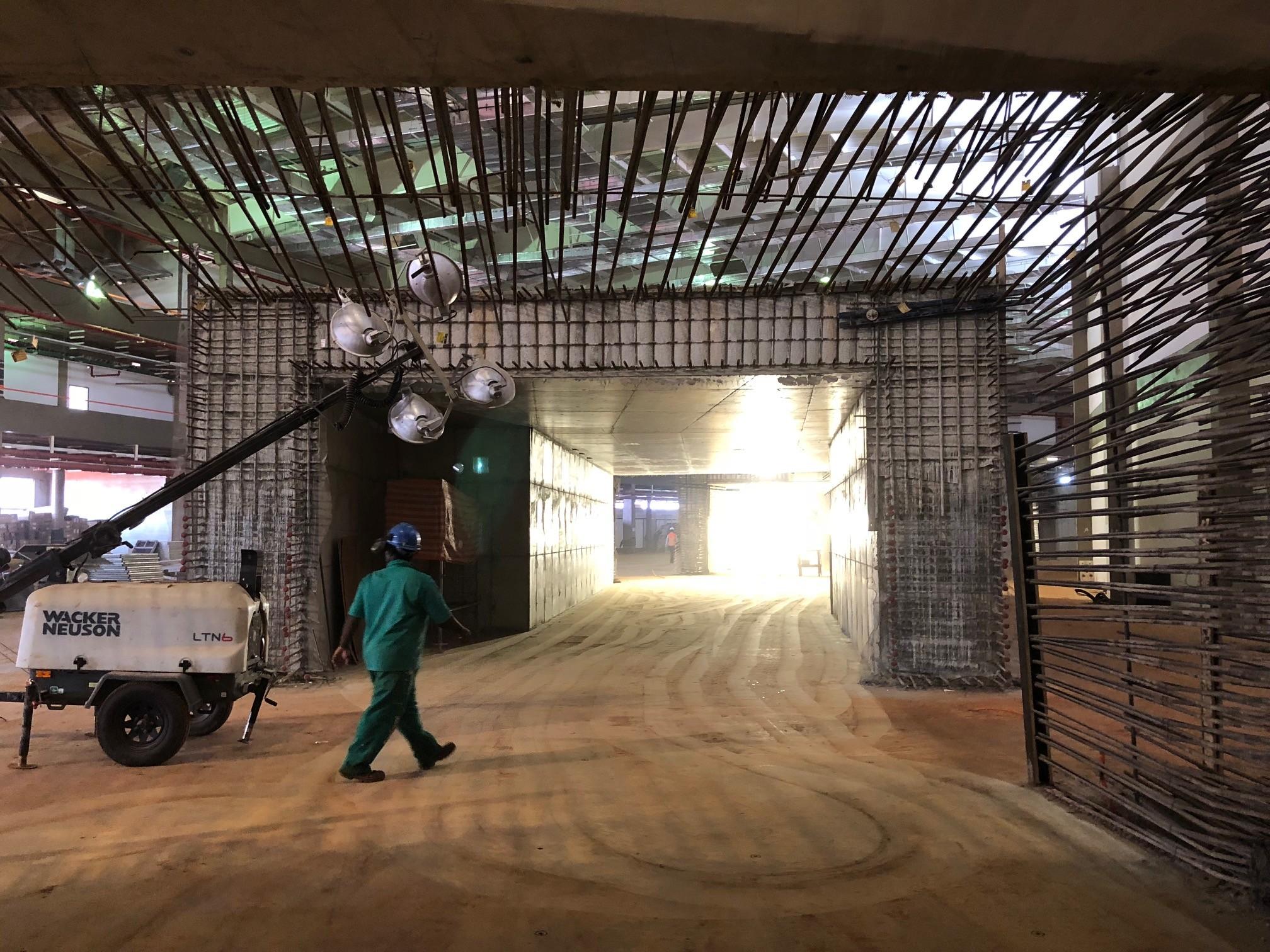 Interior do acelerador de partículas (Foto: Thiago Tanji)