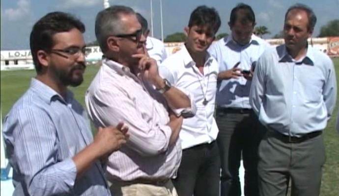 Vistoria no Perpetão, em Cajazeiras, e no Marizão, em Sousa (Foto: Reprodução / TV Paraíba)