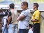 """Aguirre diz que Galo não entrou com """"espírito de final"""" e dá méritos ao rival"""