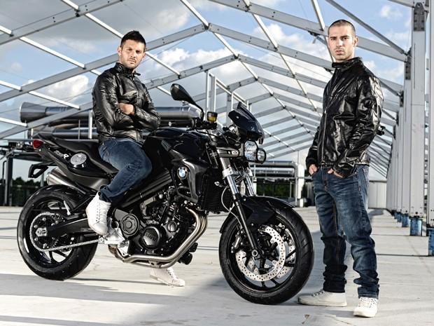 Os pilotos Michel Fabrizio e Marco Melandri (Foto: Divulgação)