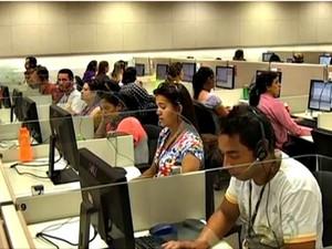 Postura incorreta pode afetar a saúde e desempenho no trabalho (Foto: Reprodução/TV Morena)