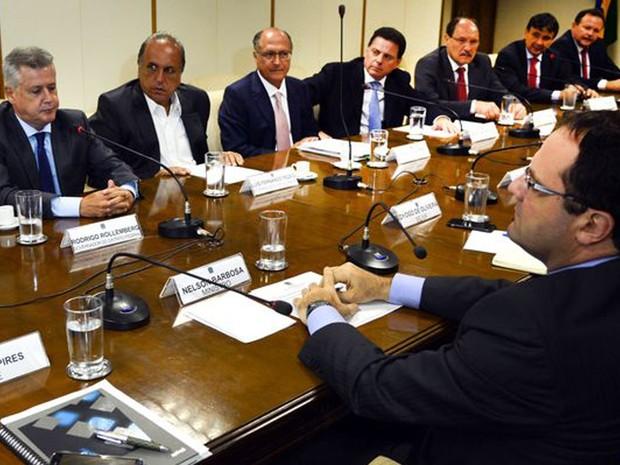 O ministro da Fazenda, Nelson Barbosa, em reunião com governadores (Foto: Fabio Rodrigues Pozzebom / Agência Brasil)