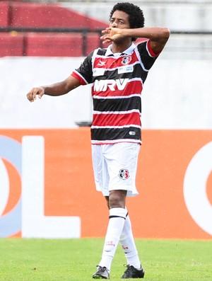 Keno Santa Cruz x Vitória Série A (Foto: Marlon Costa / Pernambuco Press)
