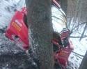 Seguindo sina de acidentes, Kubica  sai da pista e bate de frente em árvore